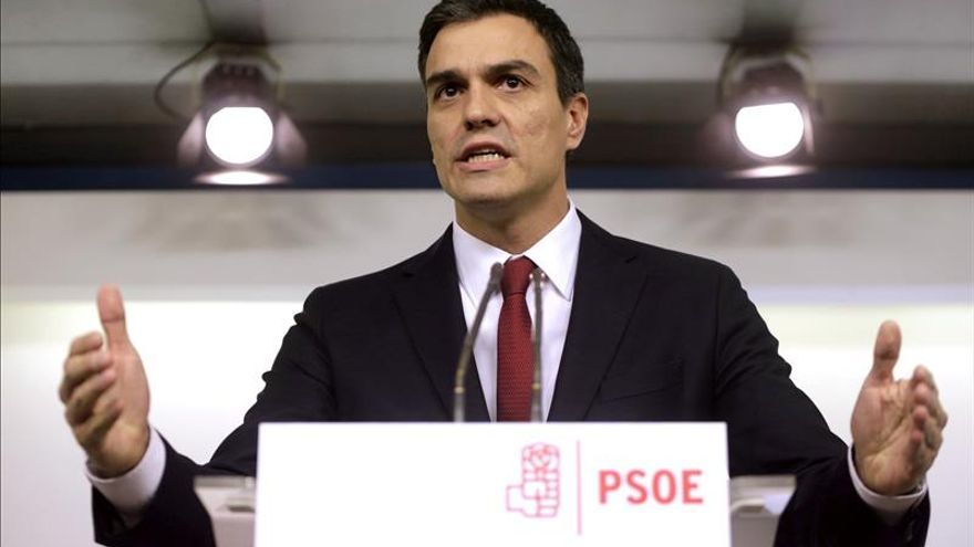 Cerca de 500 militantes y cargos del PSOE-M piden la dimisión de Sánchez
