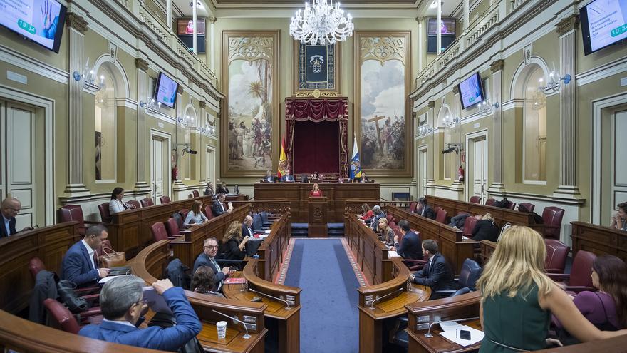 Imagen de archivo de un Pleno del Parlamento de Canarias.