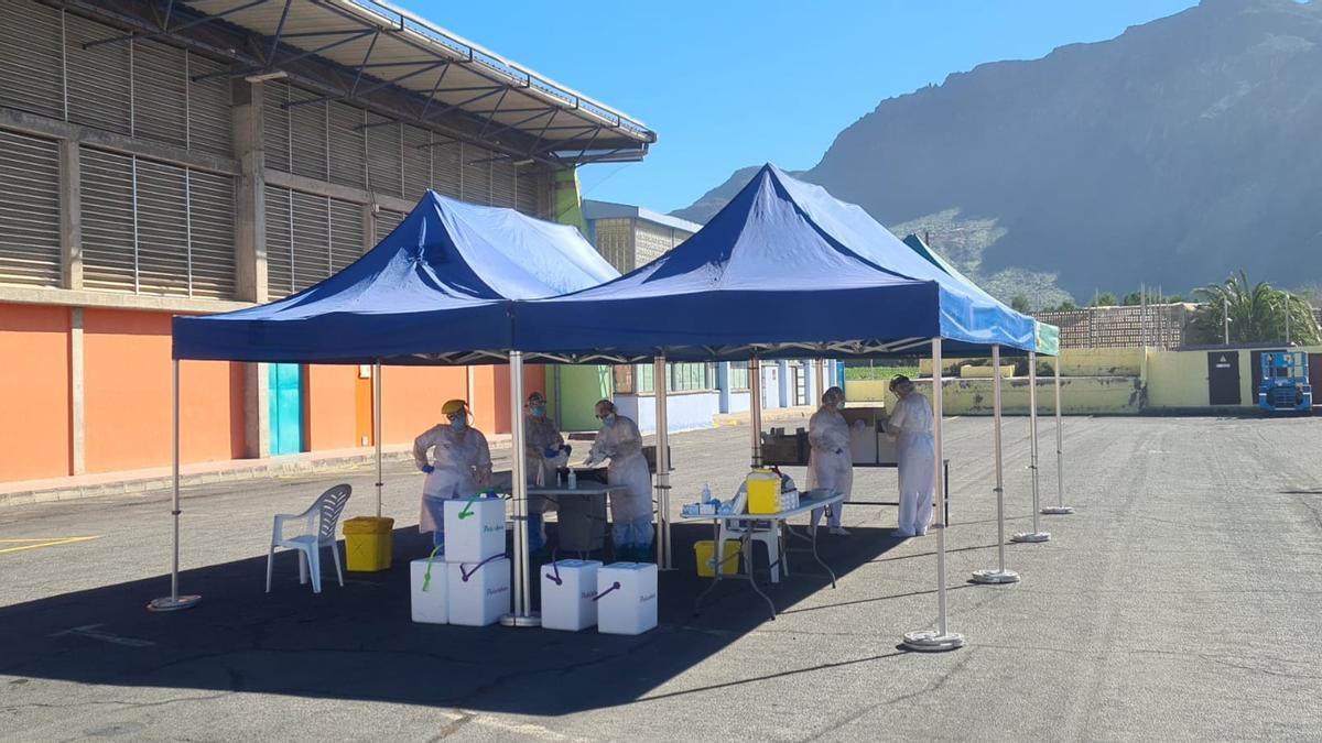 Sanidad monta un punto de toma de muestras PCR y antígenos en La Aldea de San Nicolás