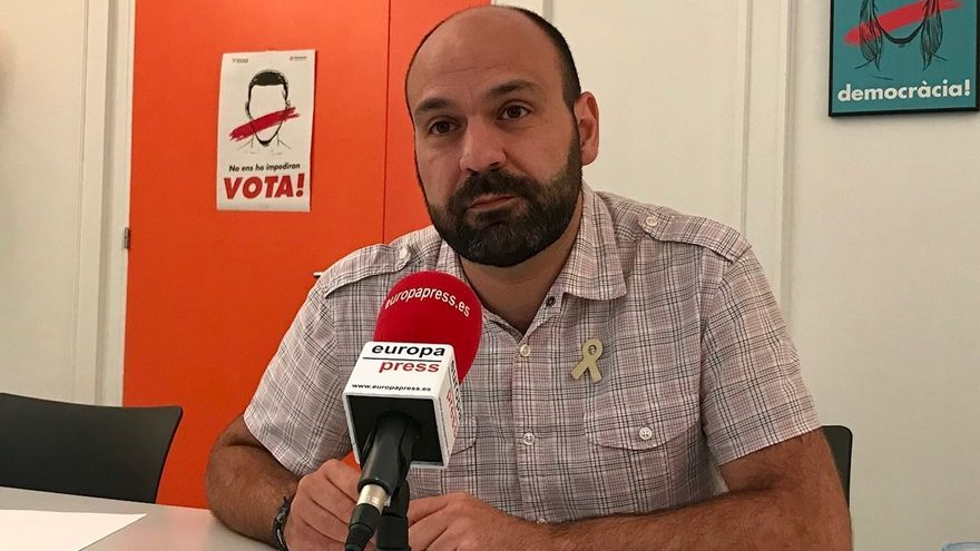 """Òmnium pide movilizarse el sábado para exigir a Sánchez """"ni prisión ni exilio ni extradición"""""""