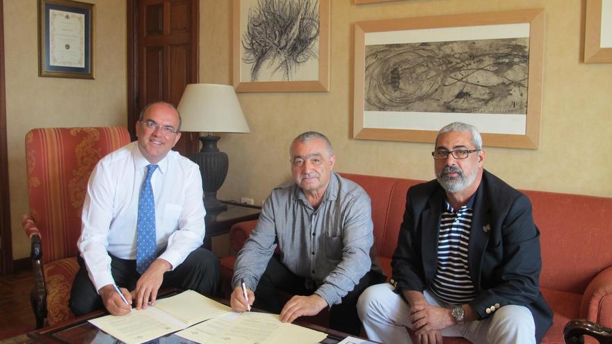 De izquierda a derecha: Anselmo Pestana, Carlos Vales y Antonio San Blas.