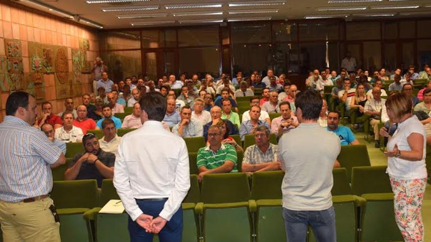 Empresarios y presidenta de la Diputación de Cáceres