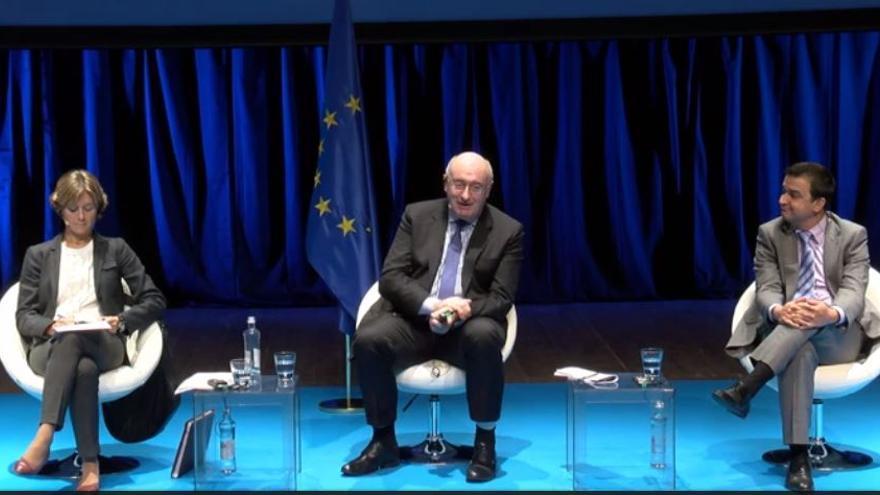 Isabel García Tejerina, Phil Hogan y Francisco Martínez Arroyo en 'Diálogo Europeo'
