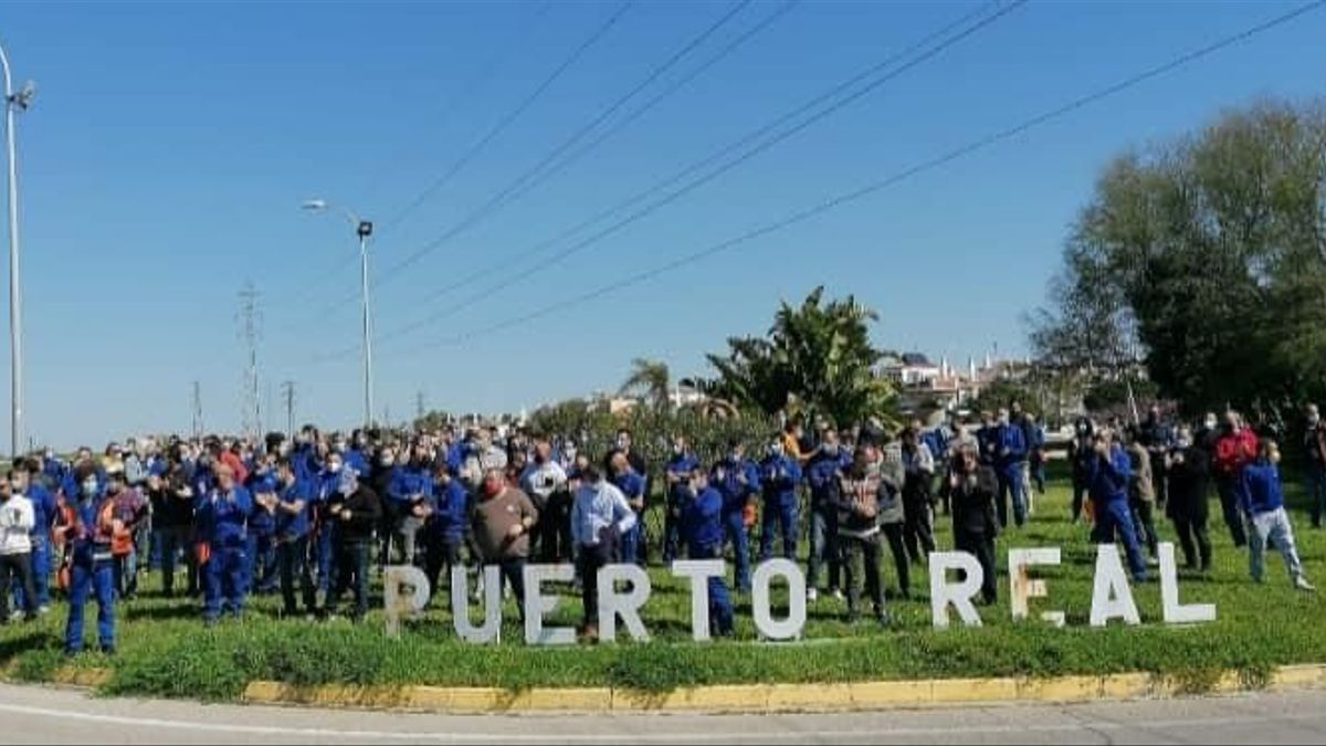 Acto de protesta de los trabajadores de Airbus en la planta de Puerto Real.