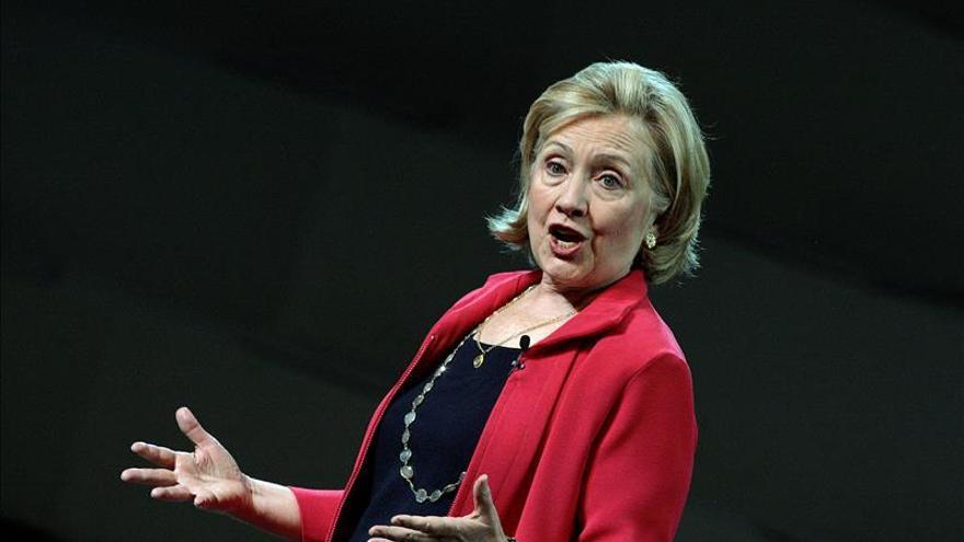"""Hillary Clinton califica de """"histórico"""" el paso dado por Obama en inmigración"""