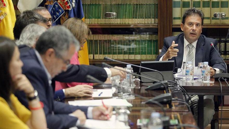 El presidente de la Autoridad Portuaria de Las Palmas, Luis Ibarra