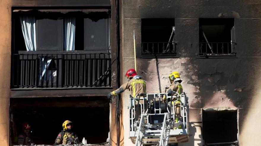 Hija de una fallecida en incendio afirma todos sabían que luz estaba pinchada