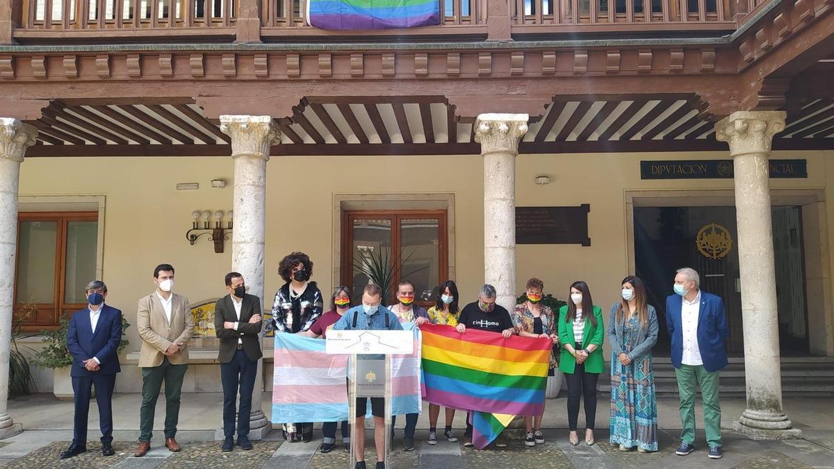 Acto celebrado en el Palacio de Pimentel con motivo de la celebración del Día del Orgullo LGTBI.