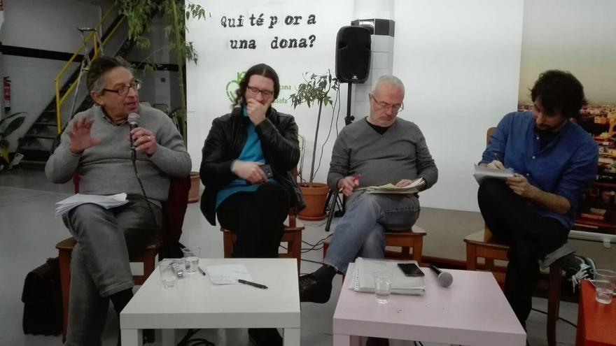 Daniel Geffner, Salva Mestre, Antonio Montiel y Jaime Paulino en la charla celebrada este domingo en la sede de Podemos en Valencia.