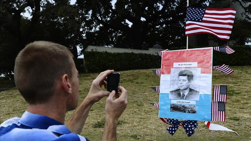 Dos mujeres para homenajear a Kennedy y acabar con el estigma de Dallas