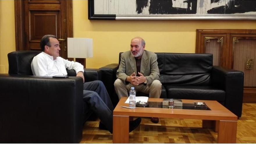 A la derecha, el alcalde bilbilitano, José Manuel Aranda.