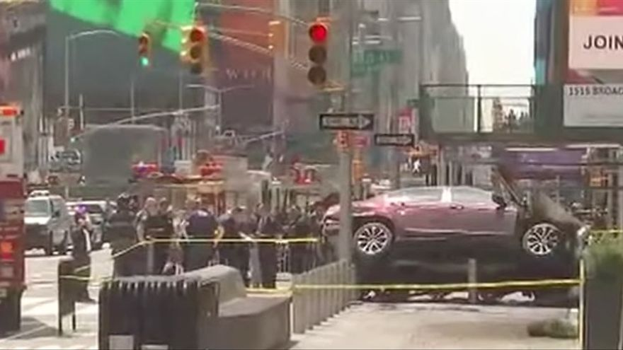 El vehículo que ha atropellado a una docena de peatones en Times Square