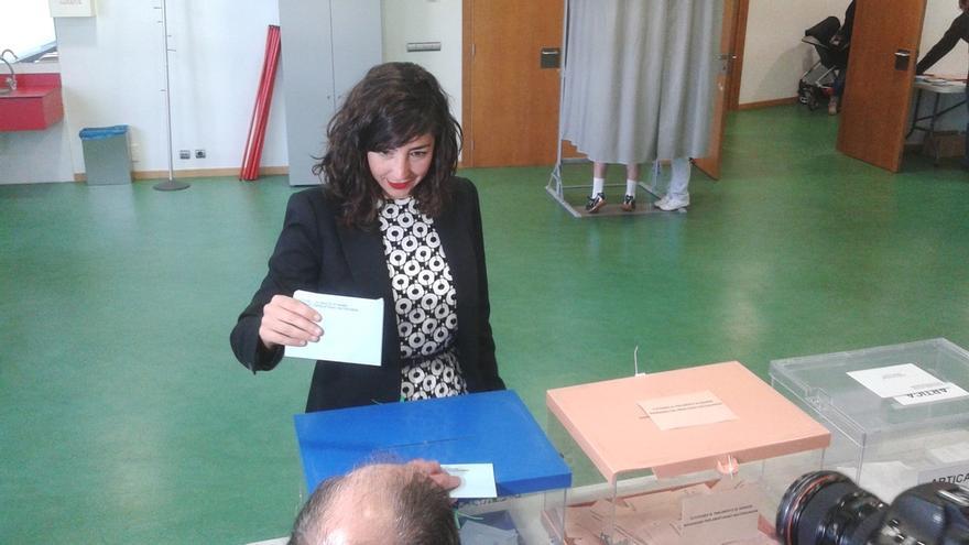"Laura Pérez acude a votar confiando en que Podemos Navarra ""dé una sorpresa"""