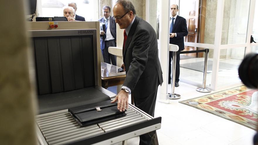 """El Banco de España avisa de que cualquier retoque del artículo 135 de la Constitución debe pensarse """"con mucha calma"""""""