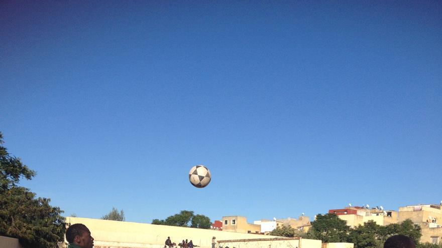 Campeonato de fútbol en el que participan inmigrantes de Fez / Elena González