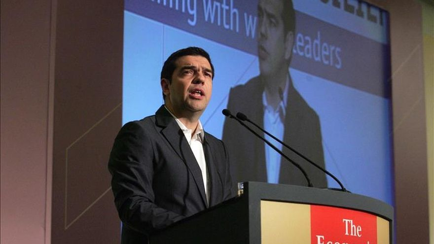"""Tsipras dice que la """"asfixia financiera"""" no hará a Grecia ceder ante las demandas de los acreedores"""