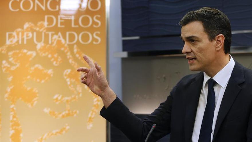 Pedro Sánchez en una rueda de prensa en el Congreso