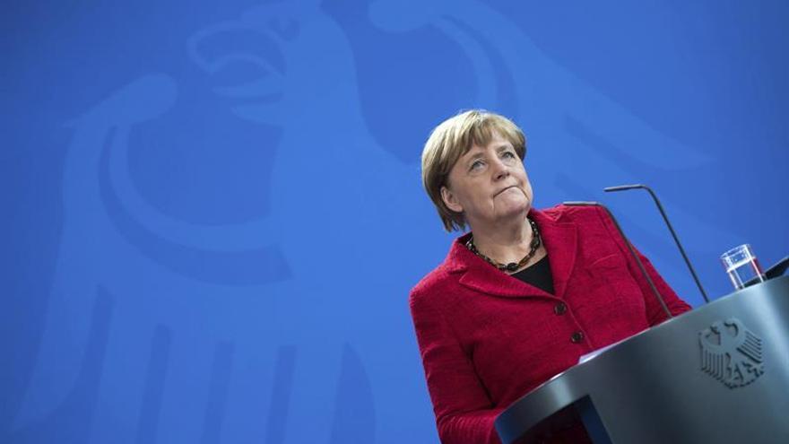 La canciller alemana, Angela Merkel, efectúa una comparecencia institucional ante los medios en Berlín (Alemania), este 9 de noviembre de 2016.