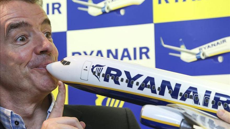 El comité de huelga de Ryanair se querella contra la empresa y su presidente