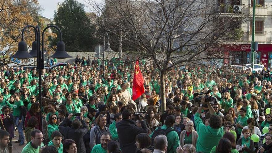 Nuevas protestas en otra jornada de huelga de docentes en Baleares