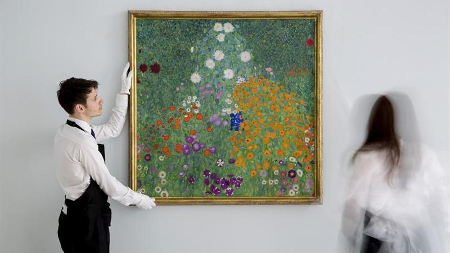 Un paisaje floral de klimt se vende por 55 88 millones de for Poco schlafsofa 88 euro
