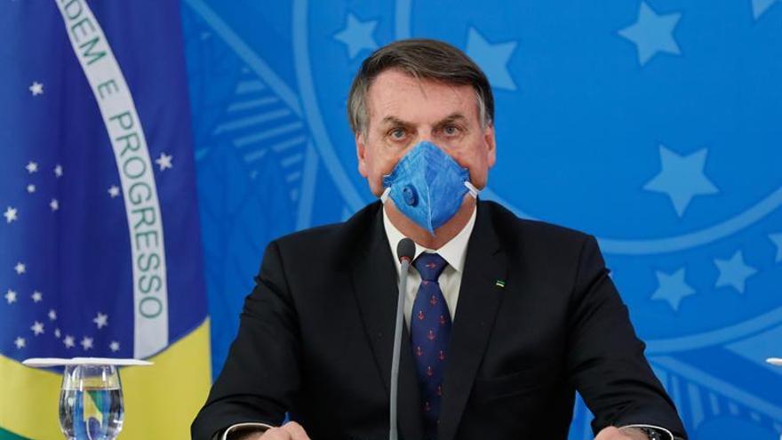 Bolsonaro critica la recomendación de suspender misas y cultos por COVID-19