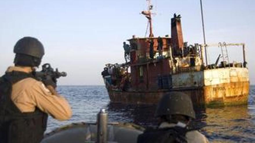 Piratas en el Golfo de Adén interceptados por EEUU