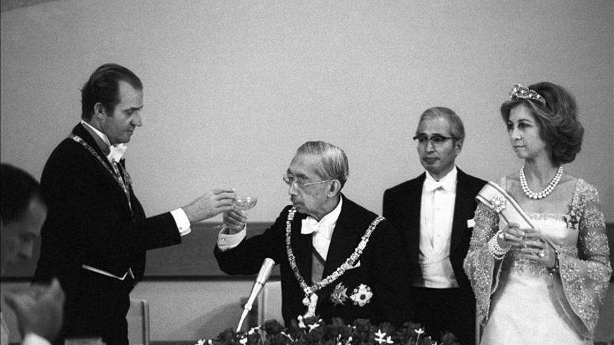 Una monumental biografía revela el dolor del emperador Hirohito por la guerra