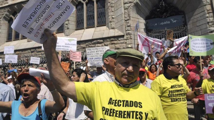 El dilema de los preferentistas de Caja España-Duero