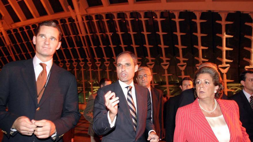 Urdangarin, junto a Camps y Barberá en el Valencia Summit de 2005 que organizó Nóos.