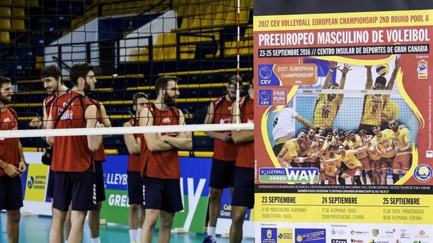 Varios jugadores de la selección, durante la presentación hoy del torneo clasificatorio para el Campeonato de Europa de Voleibol que España jugará este fin de semana en Las Palmas de Gran Canaria contra Alemania, Montenegro y Suiza. EFE/Ángel Medina G.