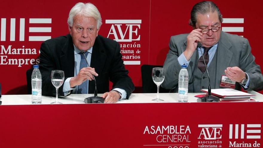 González no ve relación entre las competencias de Iglesias y la Comisión del CNI