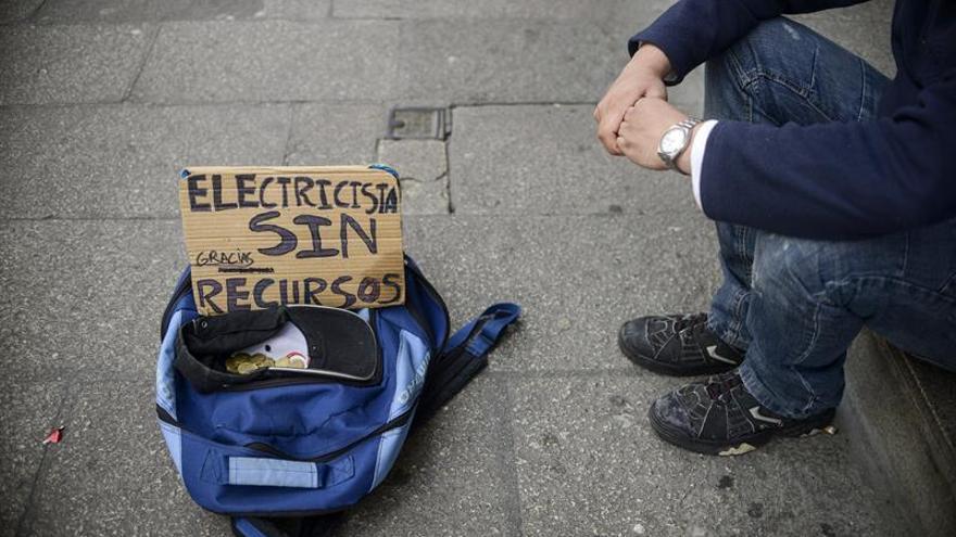 Un 28 % de españoles está en riesgo de pobreza o exclusión social, según Eurostat
