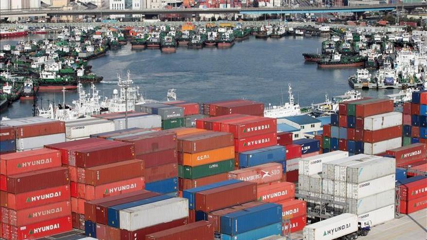 Las exportaciones de Corea del Sur caen en octubre por décimo mes consecutivo