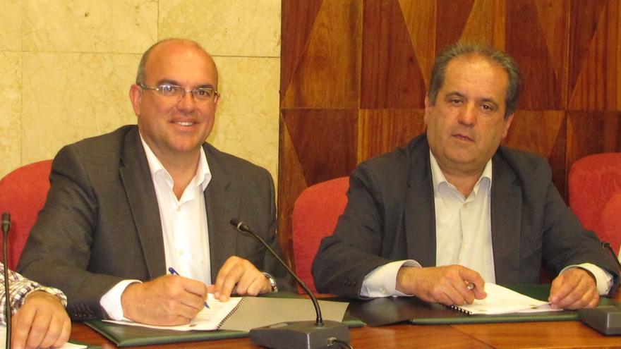 Anselmo Pestana (i) y José Luis Perestelo.