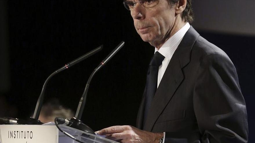 Podemos anuncia una querella contra Aznar por acusarles de financiación ilegal