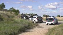 Controles de la Guardia Civil en las inmediaciones de Andorra (Teruel) dentro de la operación de búsqueda del conocido como Rambo de Requena, que finalmente ha sido detenido tras presuntamente haber herido de bala en la provincia de Teruel a un agente del cuerpo y robar dos coches.