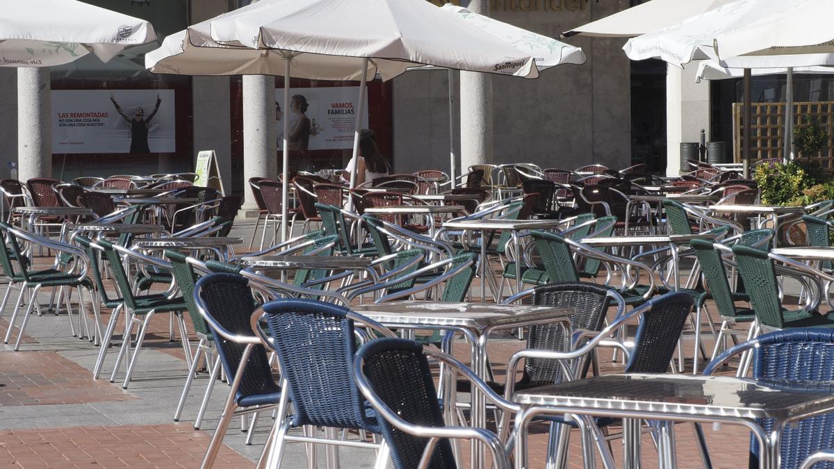 Terrazas de bares vacías