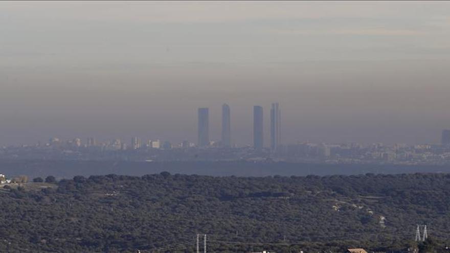 Continúa limitada la velocidad en M-30 y los accesos a Madrid por alta contaminación