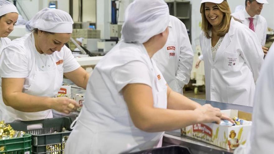 Díaz anima al sector del mantecado y el polvorón a buscar mercados todo el año