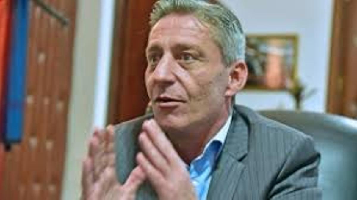 El gobernador de Chubut Mariano Arcioni.