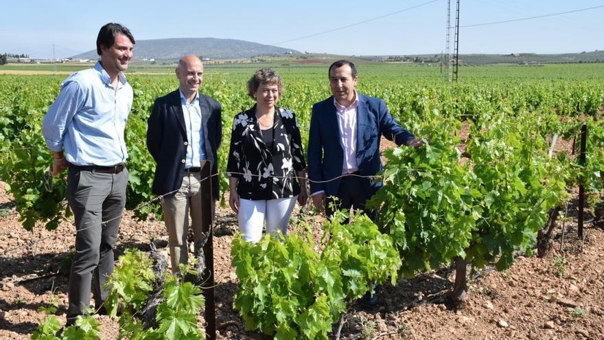 La Junta muestra su apoyo al sector agroalimentario y critica los recortes de la PAC