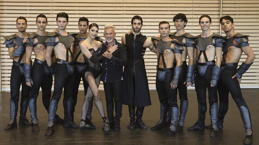 """Víctor Ullate hace de """"Carmen"""" una modelo ninfómana rodeada de travestis"""