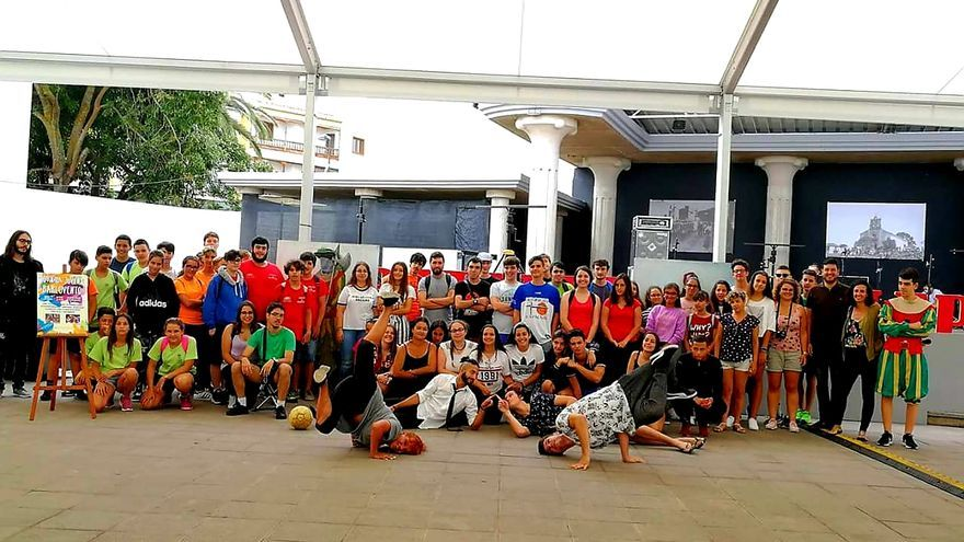 En la imagen, los jóvenes que han participados en el municipio.