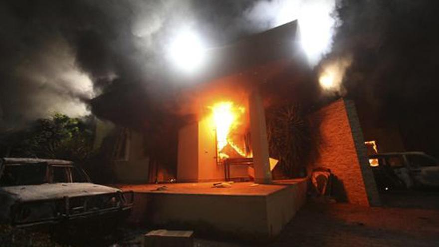 Imágenes del ataque al Consulado americano en Benghazi. (EUROPA PRESS)
