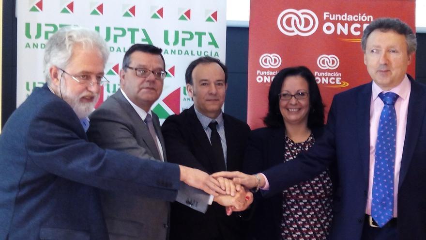 UPTA-A, ONCE Andalucía y Fundación ONCE favorecerán la inserción laboral de discapacitados en pymes y como autónomos