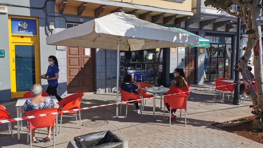 El ayuntamiento  de la capital paraliza el cobro a bares y restaurantes de la tasa por ocupar la vía pública con mesas y sillas