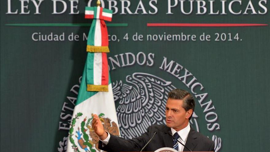 Peña Nieto viajará a Asia y Oceanía mañana pese a las protestas por los desaparecidos