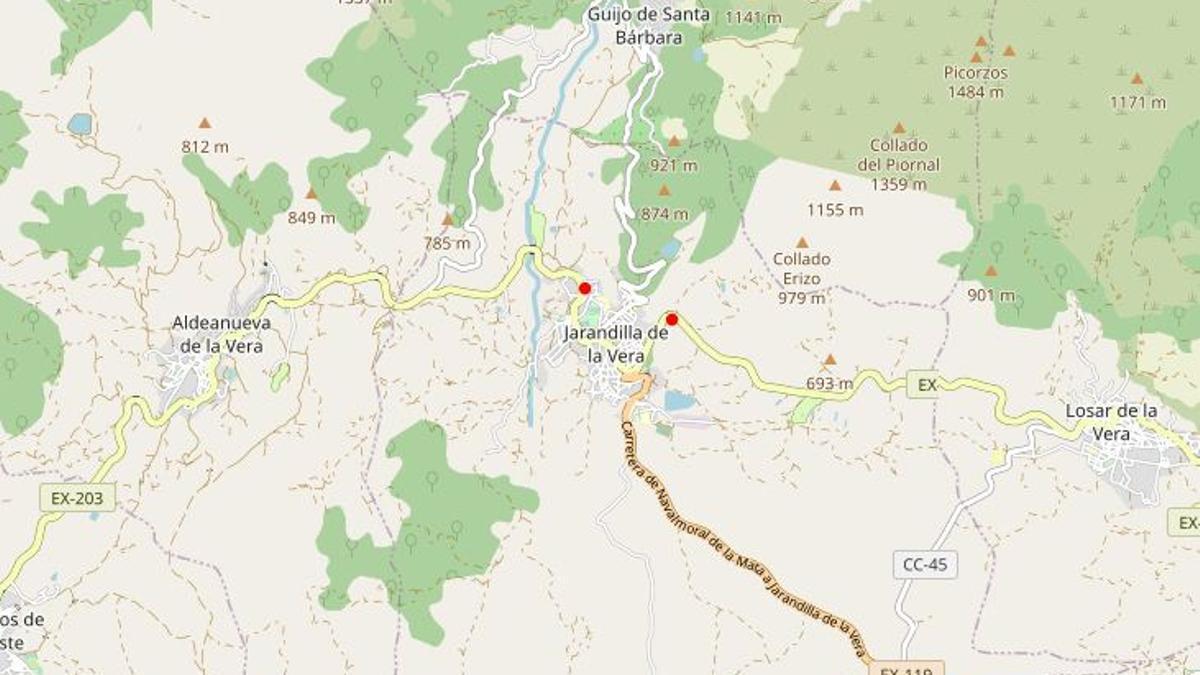 Jarandilla está atravesada por la carretera EX-203 que comunica la comarca con Plasencia