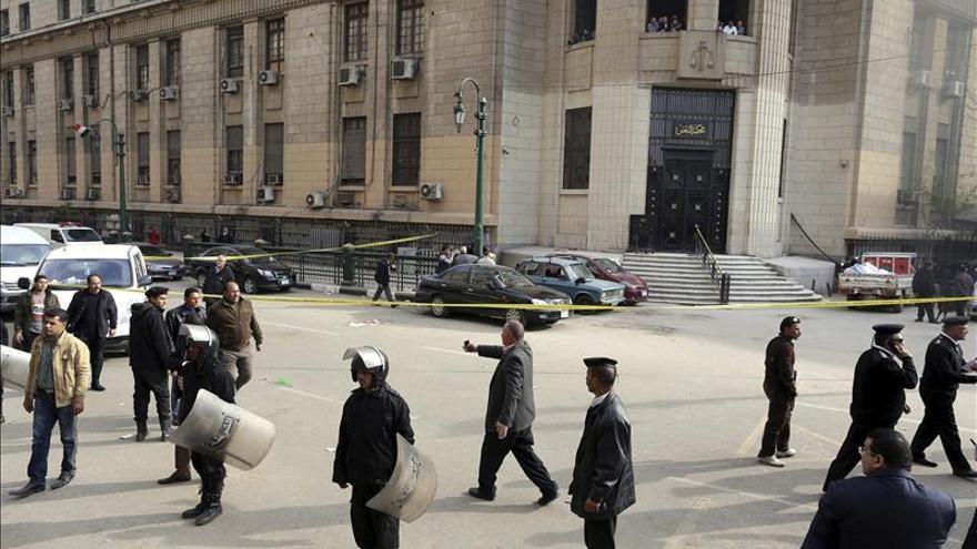 Herido el fiscal general egipcio en un atentado contra su convoy en El Cairo